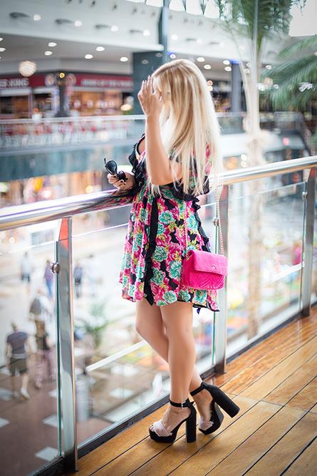 vestido de flores tendencia otoño 2018